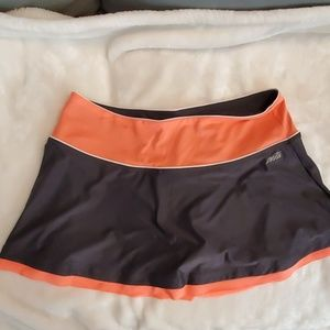 Women's Avia exercise skirt w/ spandex undershort